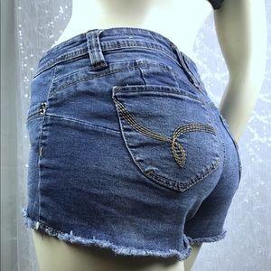 YMI WOMENS BLUE shorts size 7